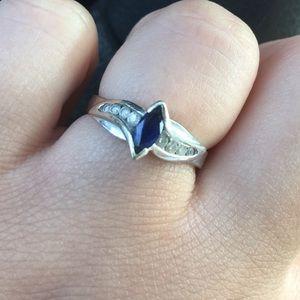 Size 7 sapphire diamond ring